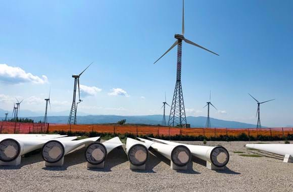 ERG retrofits V47 turbines with solution from DEIF
